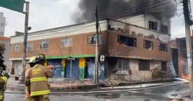 Bomberos de Bogotá controla voraz incendio en el barrio Quiroga