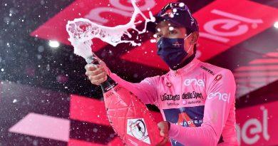 ¡Aplausos para Egan! El ciclista colombiano ganó la novena etapa del Giro de Italia